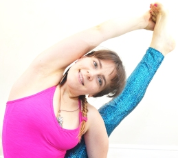Forrest Yoga compass pose by Cahrlie Speller Forrest Yoga Teacher France